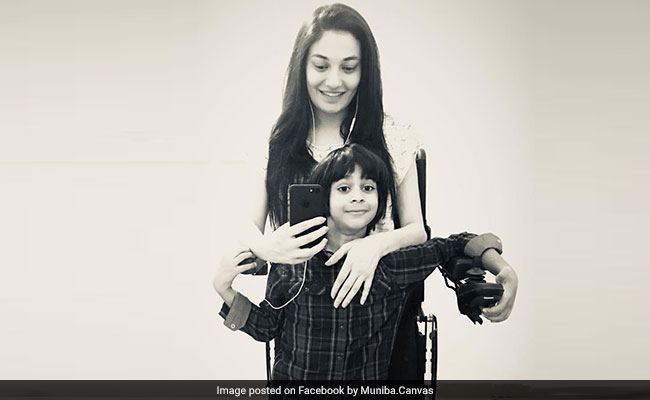 muniba with her kid
