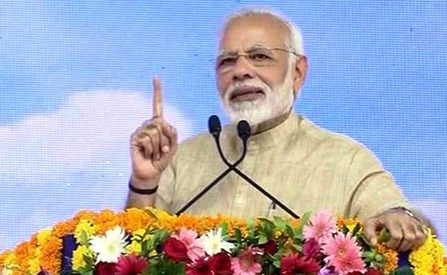 तमिलनाडु के मंत्री ने कहा, पीएम मोदी हैं हमारे साथ, कोई भी अन्नाद्रमुक को हिला नहीं सकता