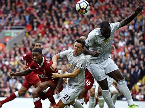 Premier League: Manchester United vs Liverpool match at Anfield ends in a goalless draw
