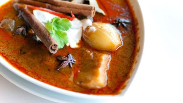 Nihari: History Of The Meaty and Buttery Breakfast Staple of The Mughals