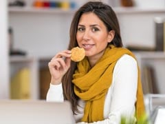 Office Snacks: 5 Pocket Friendly Nibbles You Can Munch On Your Office Desk