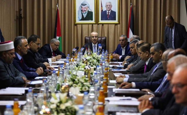 Palestinian Cabinet Convenes In Gaza In Move To Reconcile With Hamas