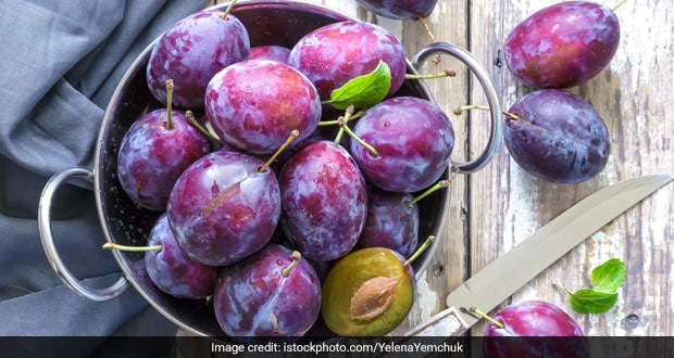 Plum Benefits (Aloobukhara): From Boosting Immunity To Improving Blood Circulation And More!
