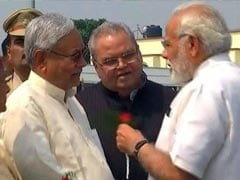 Before Red Rose Welcome For PM, Nitish Kumar's Hold-Up Triggers Red Faces