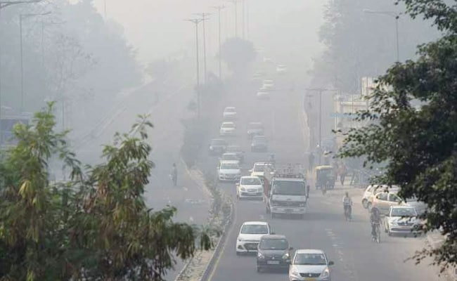 Diwali Night Pollution in Delhi Breached Emergency Levels, Air Quality Deteriorates