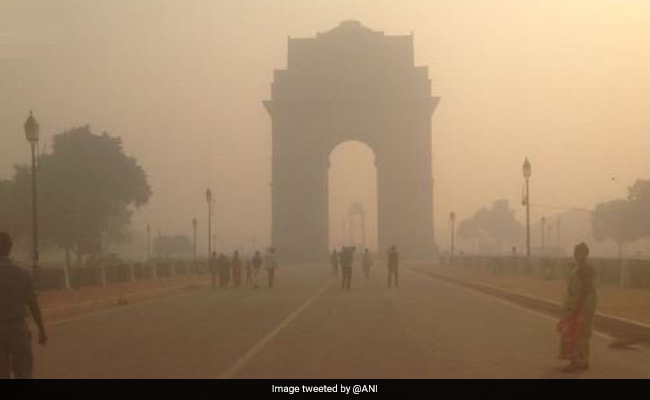 Delhi's Air Quality Status Report After Diwali is 'Very Poor': 10 Points