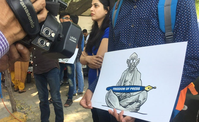 Journalists Protest Violence, Demand Report On Probes From Rajnath Singh