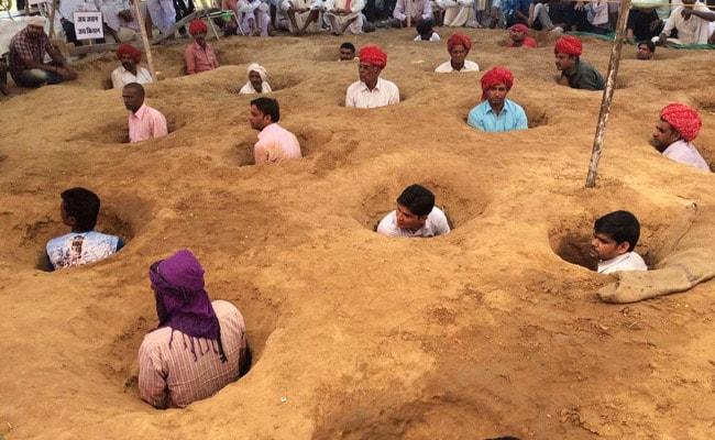 rajasthan farmers mud protest 650