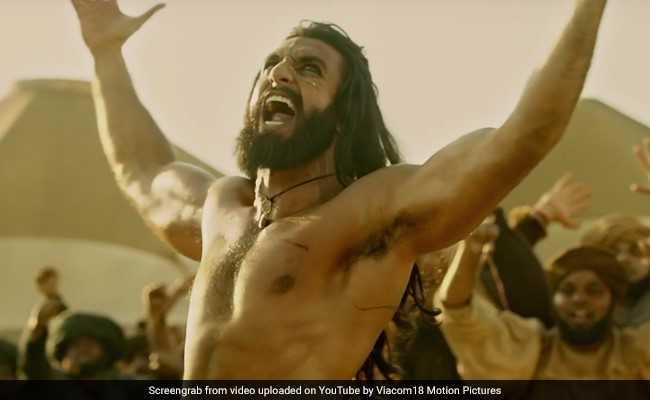'पद्मावती' विवाद: रणवीर ने तोड़ी चुप्पी, 'फिल्म और भंसाली को मेरा 200 प्रतिशत समर्थन', पढ़ें ये 10 FACTS