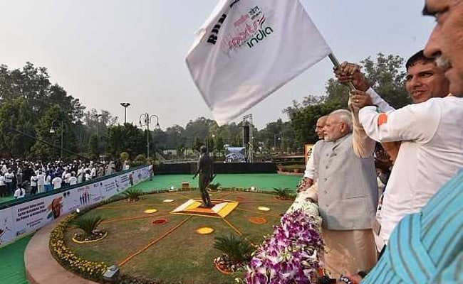 PM flags off 'Run for Unity', slams Cong for ignoring Patel
