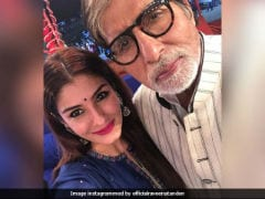 Raveena Tandon Posts An Adorable Selfie With <i>Bade Miyan</i> Amitabh Bachchan