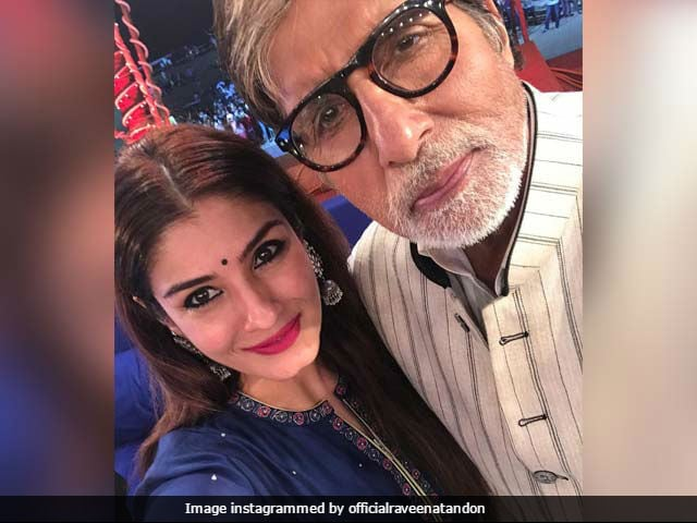 Raveena Tandon Posts An Adorable Selfie With Bade Miyan Amitabh Bachchan
