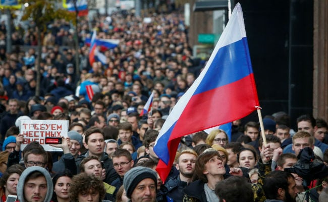 On Putin's Birthday, Thousands In Russia Protest Asking Him To Quit