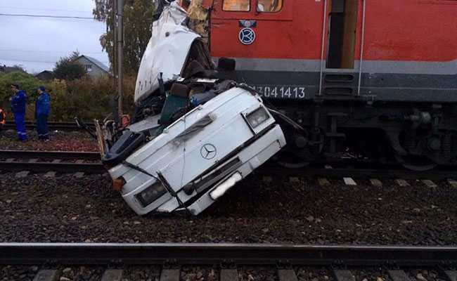 russia train crash afp