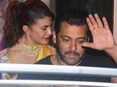 संजू बाबा की दीवाली पार्टी में दिखे सलमान और आमिर, इन सेलेब्स ने की ग्लैमरस एंट्री
