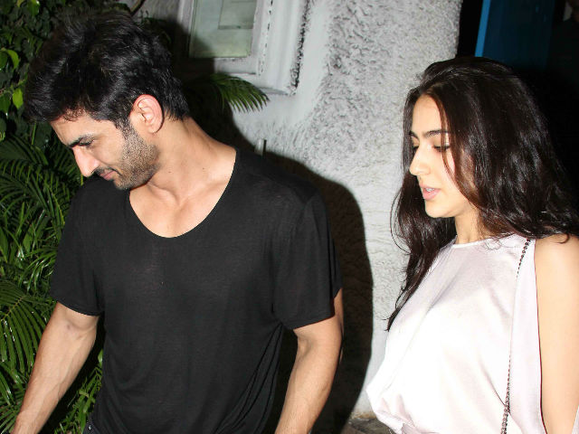 Sara Ali Khan, Sushant Singh Rajput Had A Special Visitor From Mumbai On Kedarnath Sets