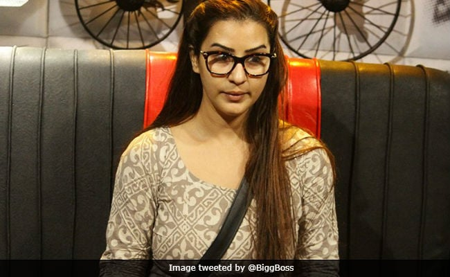 Bigg Boss 11: Shilpa Shinde Trends After Continuous Fights. Is That Good Enough To Save Her?