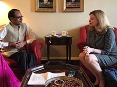 राज्य की जनता कर्ज और सूखे की चपेट में, मुख्यमंत्री विदेशी दौरे पर