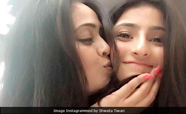 On Shweta Tiwari's 37th Birthday, A Special Wish From Her Daughter