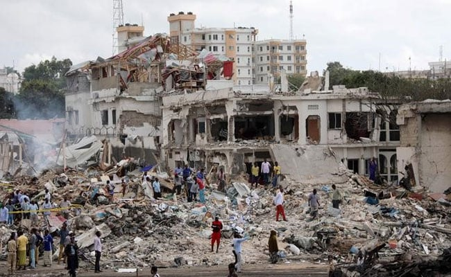 Death Count From Somalia Bomb Attacks Tops 300
