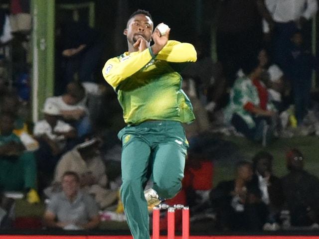 Andile Phehlukwayo Strikes Key Blow as South Africa Beat Bangladesh
