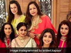 Photos: इनके घर श्रीदेवी-शिल्पा शेट्टी ने मनाया करवा चौथ का जश्न, वरुण धवन की भाभी भी दिखीं