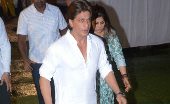 Shah Rukh Khan And Other Celebs Attend Kundan Shah's Prayer Meet