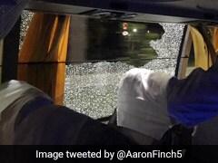 PHOTOS: ऑस्ट्रेलियन क्रिकेटर्स पर पहले पत्थर से हमला, अब ये कर रहे हैं फैन्स