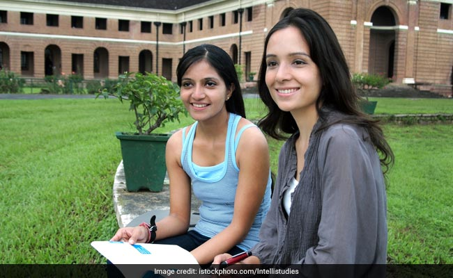 779 More Seats For Women Candidates In IITs This Year