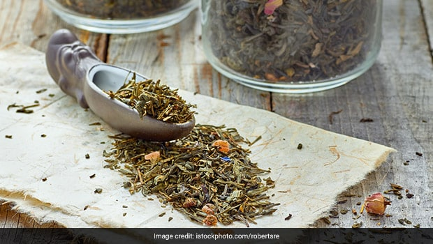 5 Herbal Teas to Calm Your Mind and Relieve Stress