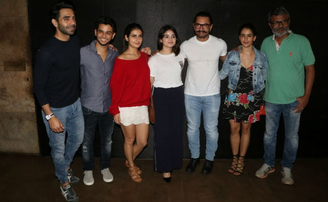 Aamir Khan, Zaira Wasim And Team Dangal Watch Secret Superstar
