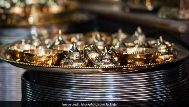 Happy Dhanteras 2017: Why Should You Buy Utensils on this Auspicious Day?