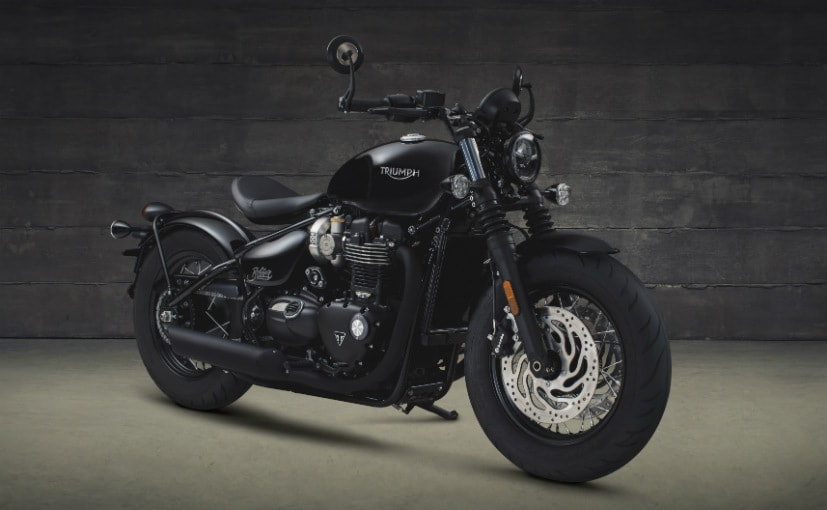 Triumph Bonneville Bobber Black Makes Its Global Debut Ndtv Carandbike