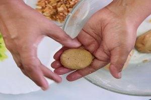 Aata Walnut Cookies