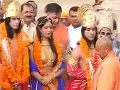 अयोध्या में ऐतिहासिक दिवाली, हेलीकॉप्टर से आई राम की सवारी, सीएम योगी ने उतारी आरती