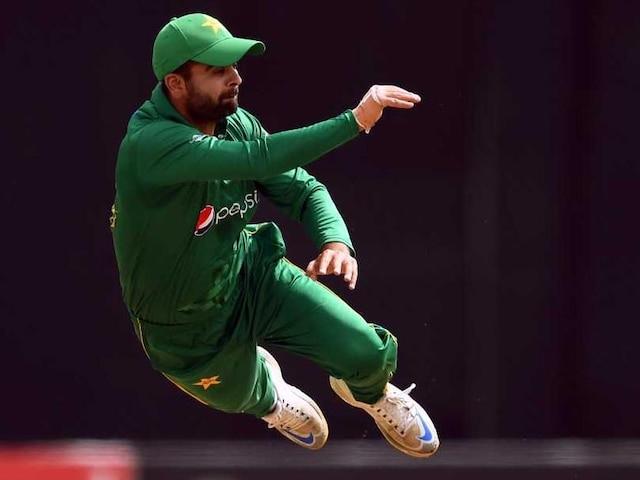Ahmad Shehzads Hardik Pandya-Like Catch Leaves Batsman Stunned