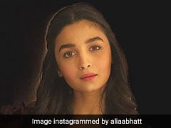 IFFI 2017: Alia Bhatt Looks Like A Goddess In This Black Gown