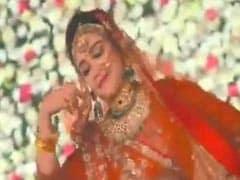 Watch: Mulayam Singh's <i>Bahu</i> Aparna Yadav Dances To <i>Ghoomar</i>