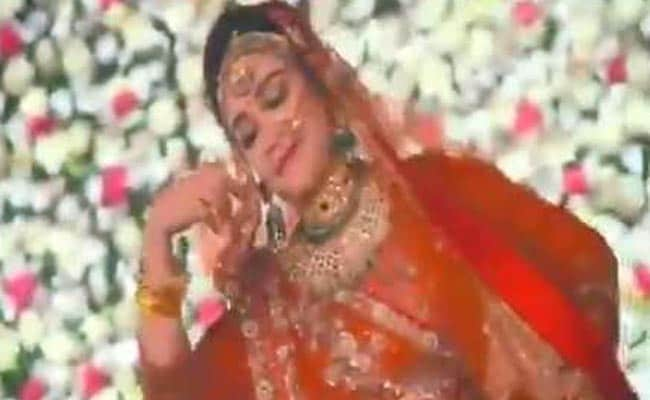Mulayam Singh Yadav's daughter-in-law dances into Padmavati controversy
