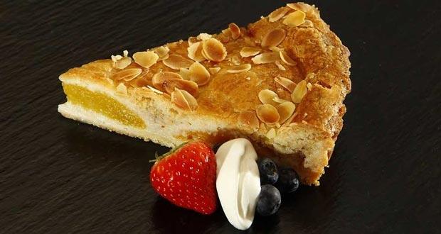 Apple Pie with Raisin Relish