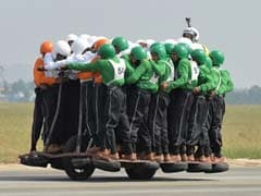Indian Army Creates World Record With 58 Men On Single Motorcycle