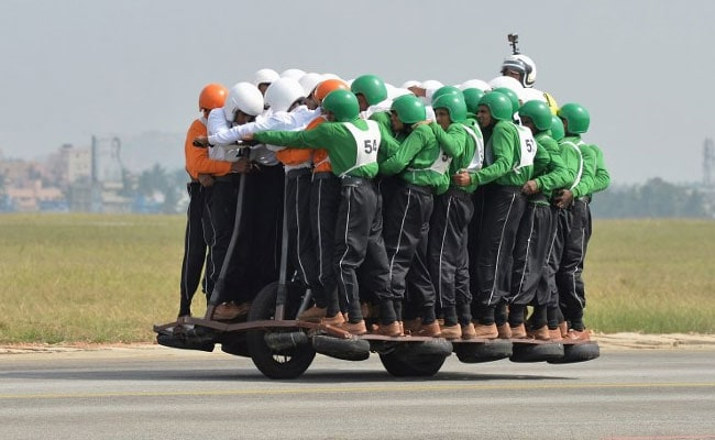 Indian Army men set new world record, ride on single motorcycle