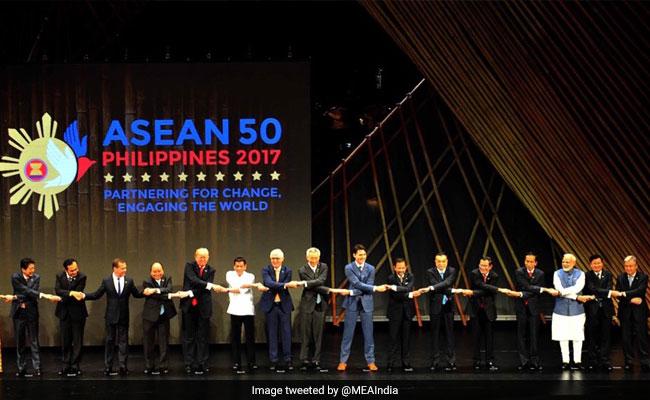 आसियान सम्मेलन में 'रामकथा' का डोनाल्ड ट्रंप- शिंजो आबे और पीएम मोदी सहित कई नेताओं ने लिया आनंद