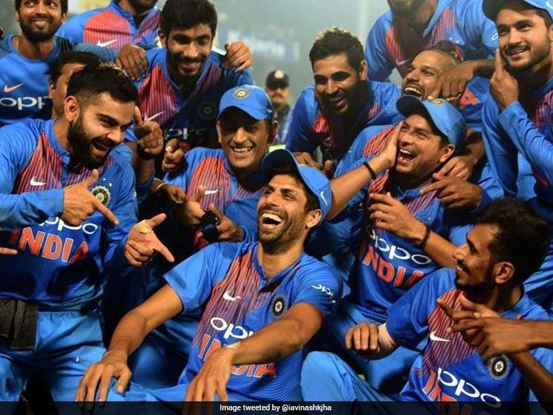 India vs New Zealand, 1st T20I: Feroz Shah Kotla Comes Together To Bid Nehra Ji Goodbye