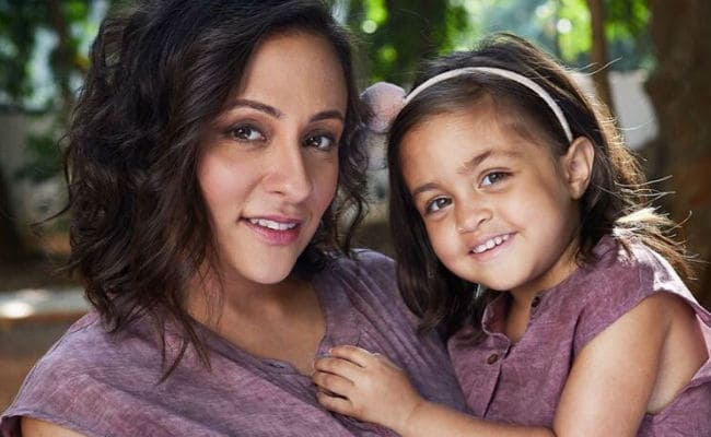 Such Cute Pics Of Imran Khan's Daughter Imara Twinning With Mom Avantika