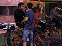<i>Bigg Boss 11</i>, November 3, Written Update: Who Will Cycle Their Way To The Captaincy - Hiten Tejwani Or Puneesh Sharma?