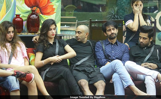 Bigg Boss 11, November 17: Captaincy Task, Worst Performer... The Important Decisions To Be Taken Tonight