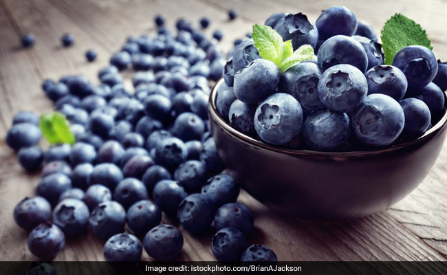 blueberries help in fighting pain