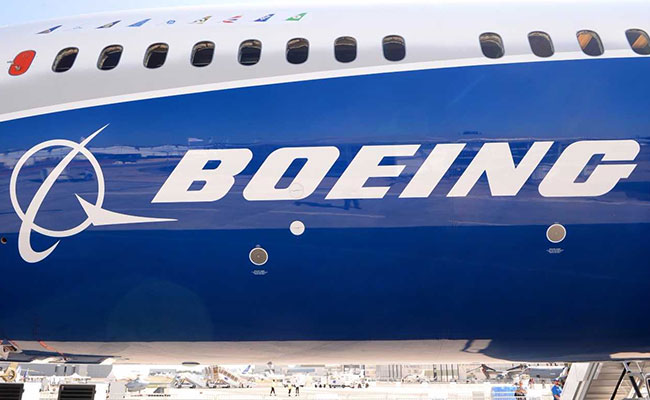 Boeing Bags $15.1 Billion Emirates Order Of 40 787-10 Dreamliners At Dubai Air Show