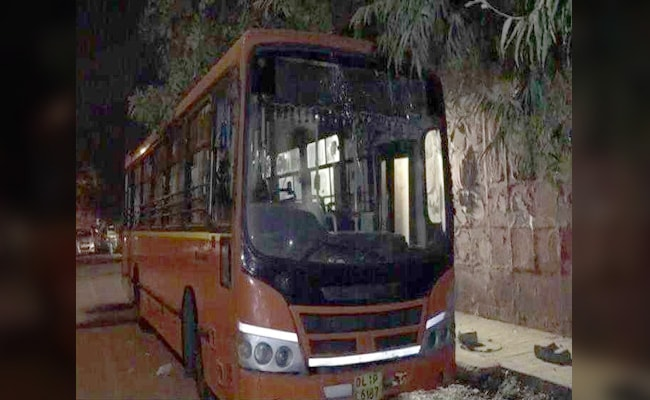 Delhi: School students stab youth to death in cluster bus